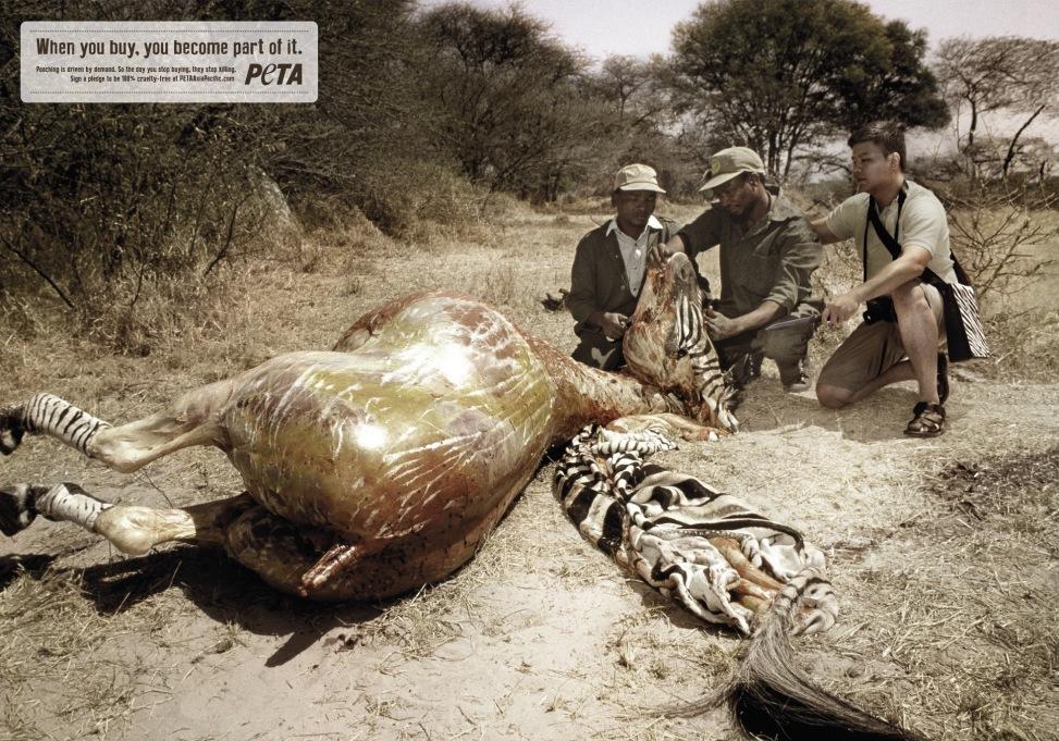 Кишки у сумках та масовий стриптиз: ТОП-10 провокаційних еко-кампаній - фото 8