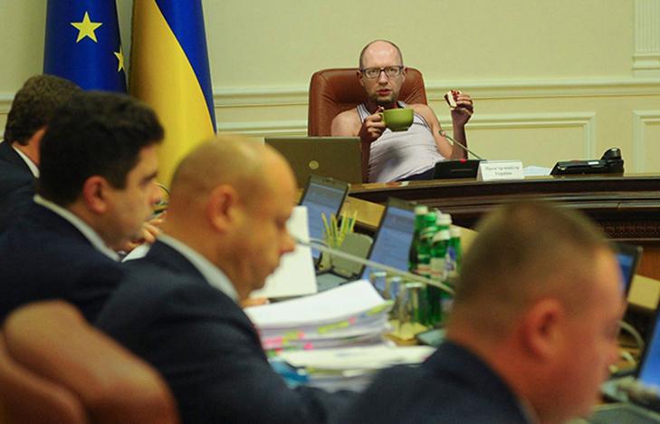 Чим запам'ятається другий уряд Яценюка - фото 9