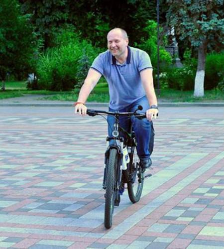 """Нардеп Береза """"віджав"""" поліцейський  велосипед - фото 1"""