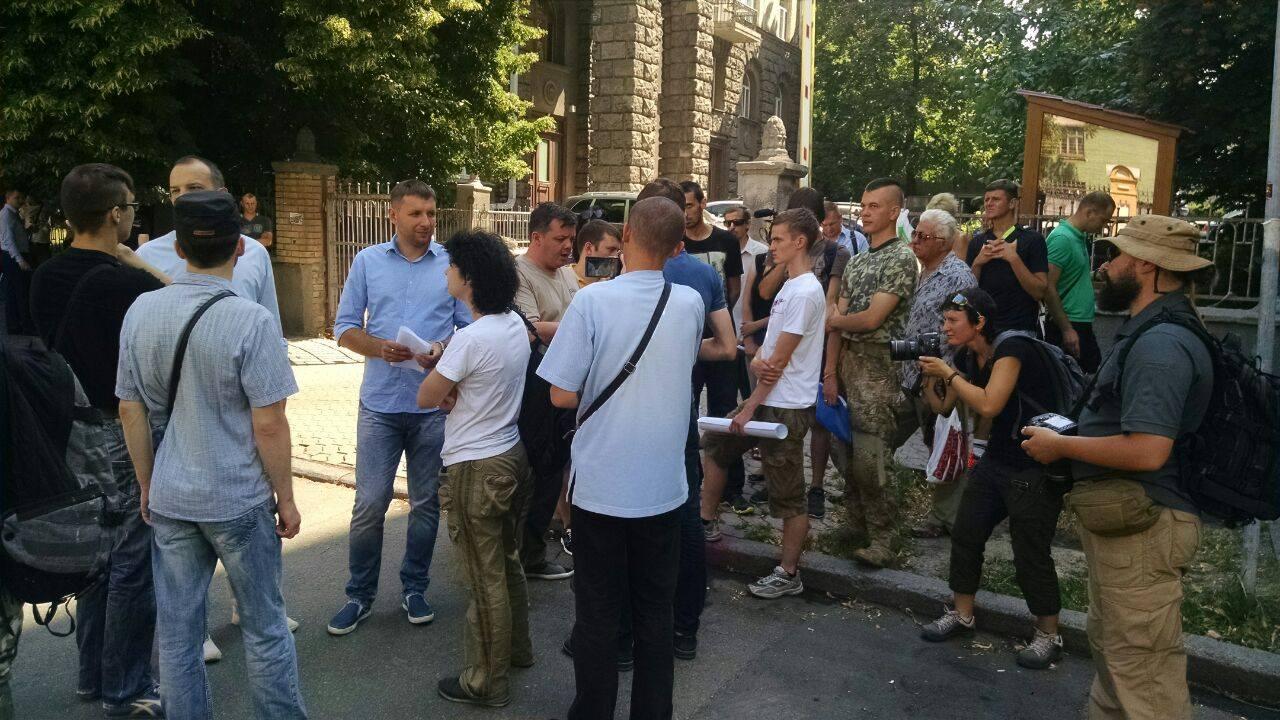 Парасюк і Семенченко вимагають амністію у президента - фото 4
