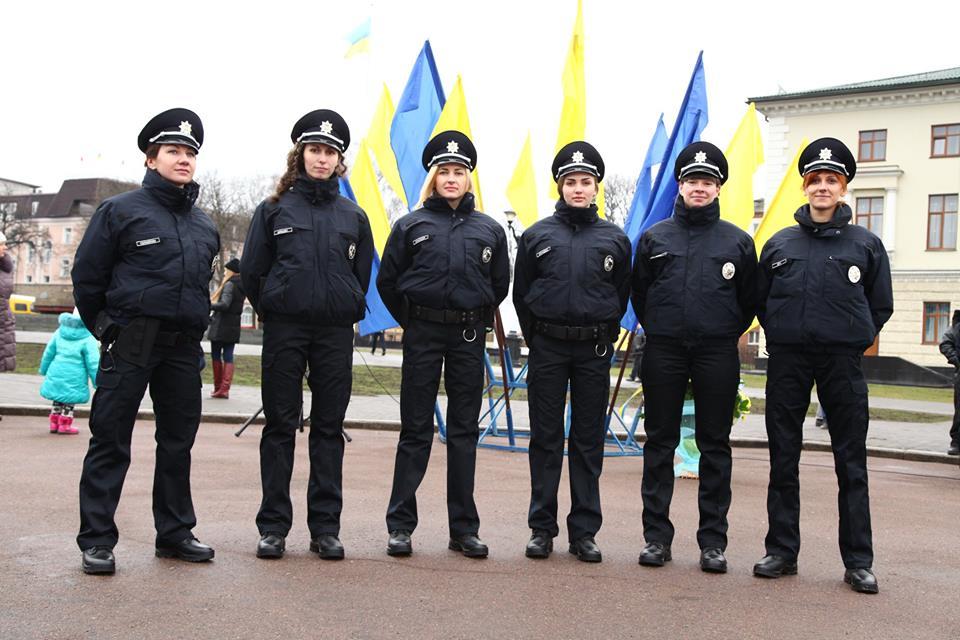 В новій поліції Хмельницького - красуні і чемпіонки - фото 2
