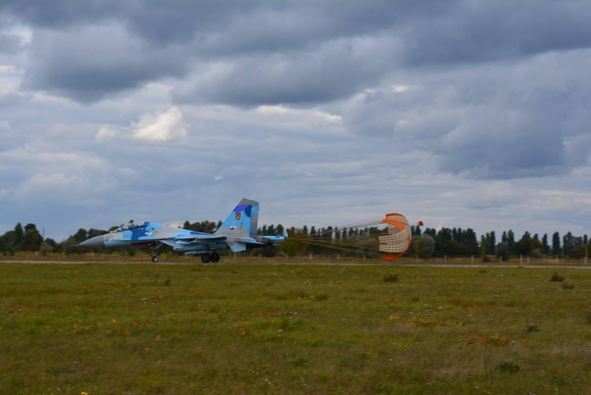 Українські полоти-винищувачі потренувалися в складних погодних умовах (ФОТО) - фото 2