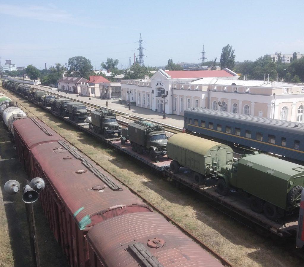 РФ завезла вКрым массу военной техники