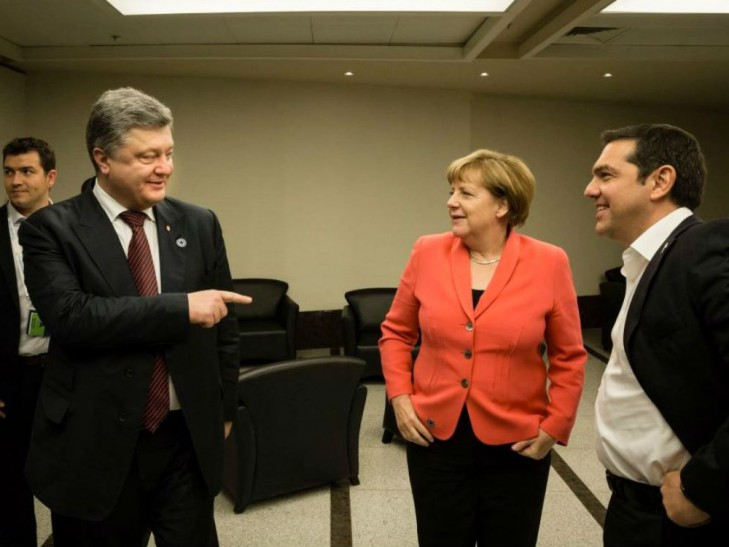 Як Меркель смішила Порошенка у Стамбулі  - фото 2