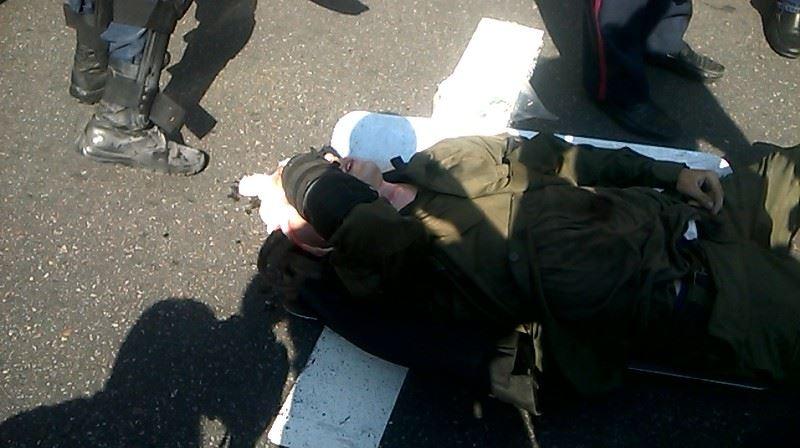 У міліціонерів під Радою кинули бойову гранату (ФОТО) - фото 1