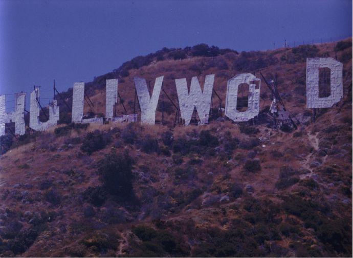 Шалені гроші і доленосні історії: Як змінювалась вивіска Hollywood впродовж століття - фото 6