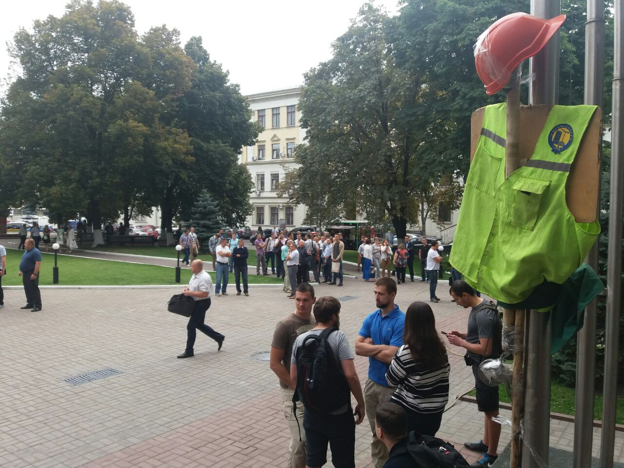 """Цивільний корпус """"Азов"""" блокує """"Київміськбуд"""" - фото 5"""