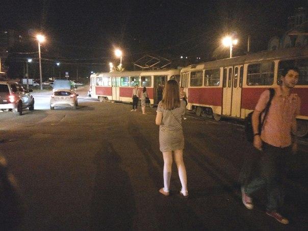 На Салтівці злетів з рейок трамвай - фото 1