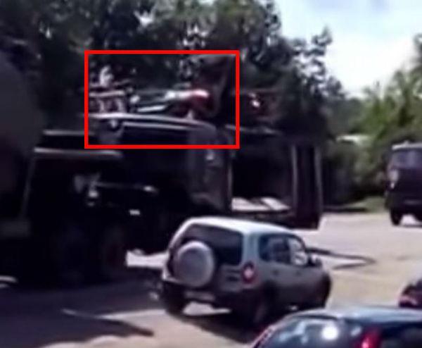 """Bellingcat: Ракети того ж типу, що збили """"Боїнг"""", виявлені в колоні російської техніки на кордоні з Україною (ФОТО, ВІДЕО) - фото 6"""