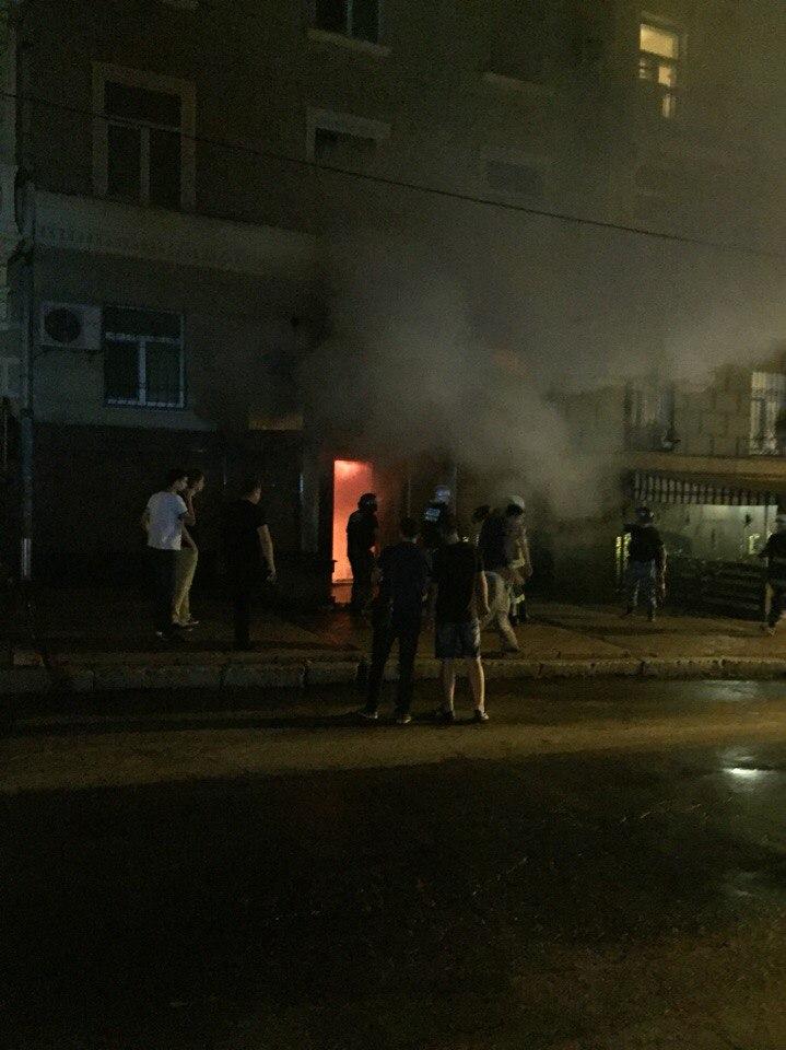 У центрі Харкова спалахнув паб - фото 2