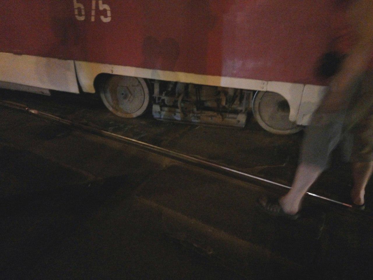 На Салтівці злетів з рейок трамвай - фото 2