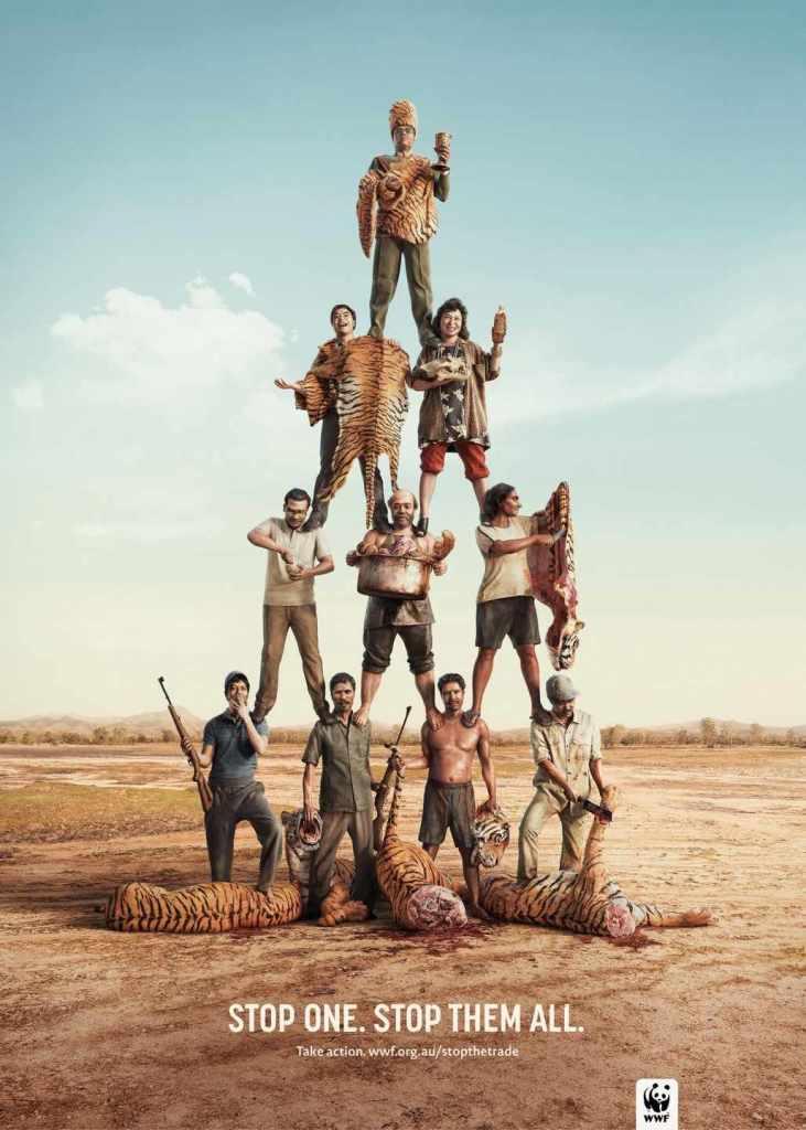 Кишки у сумках та масовий стриптиз: ТОП-10 провокаційних еко-кампаній - фото 7