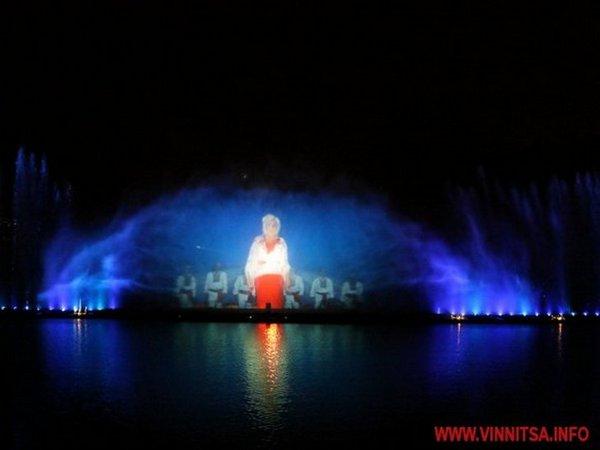 У Вінниці відкрили шостий сезон найбільшого у Європі фонтану - фото 2