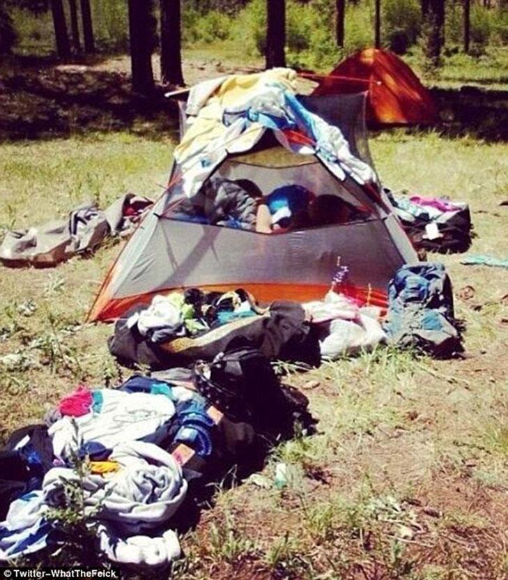Епічні провали любителів відпочивати на природі - фото 15