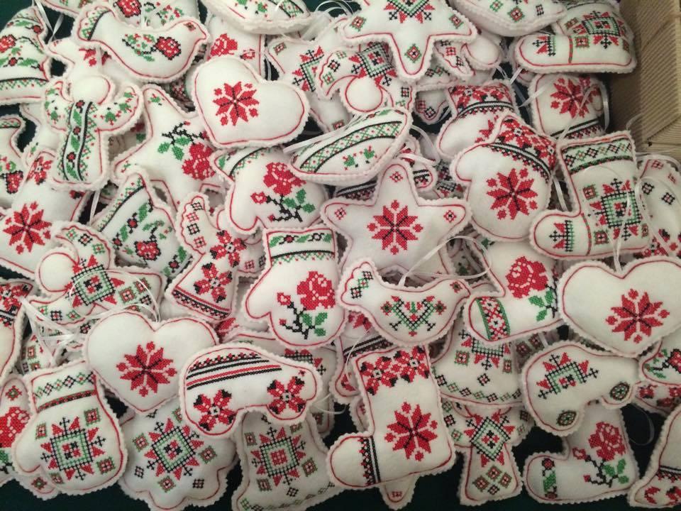 Святкуй по-українському: ТОП-10 патріотичних прикрас - фото 7