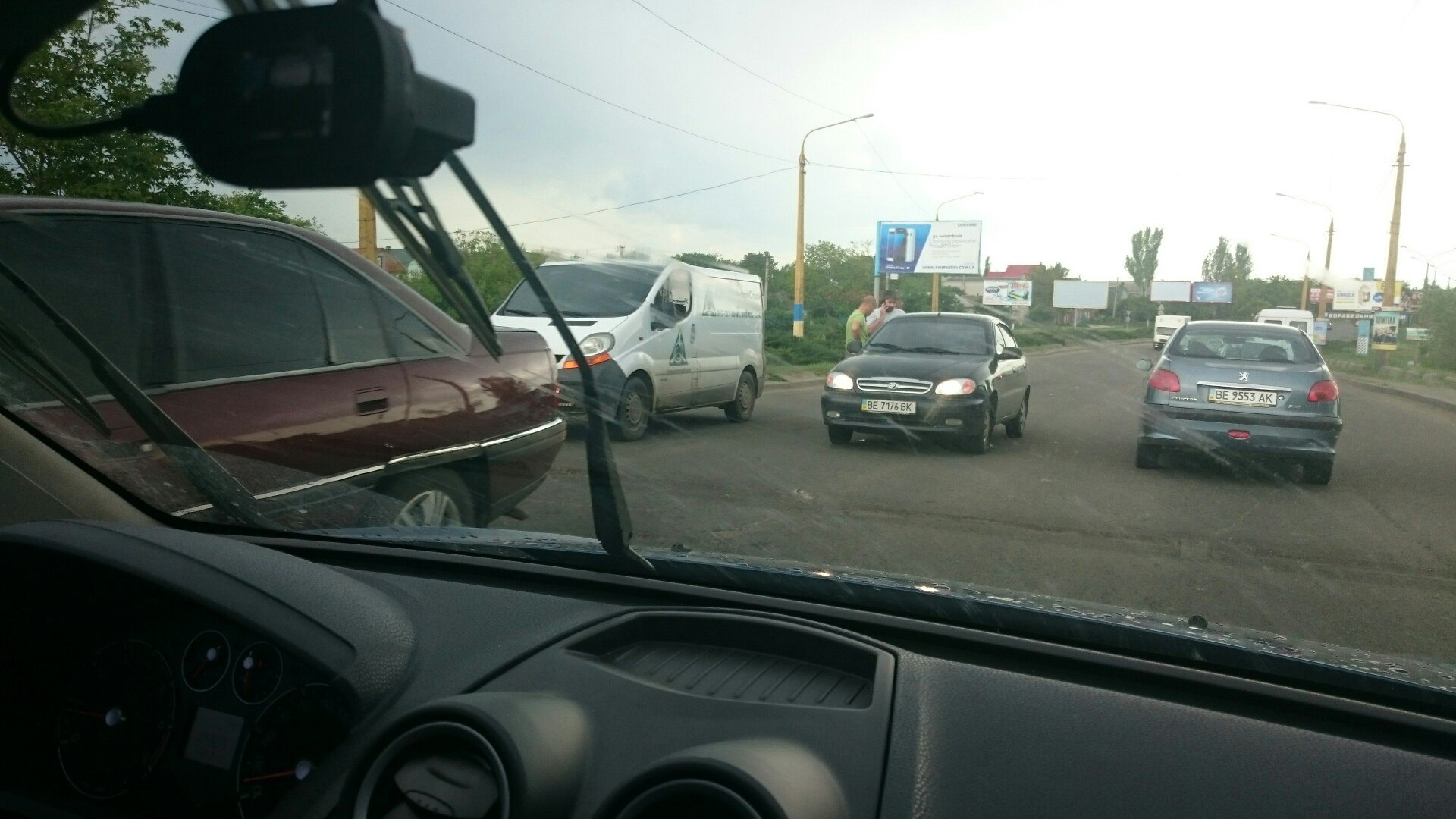 У Миколаєві в районі Широкобальського мосту сталися одразу дві ДТП