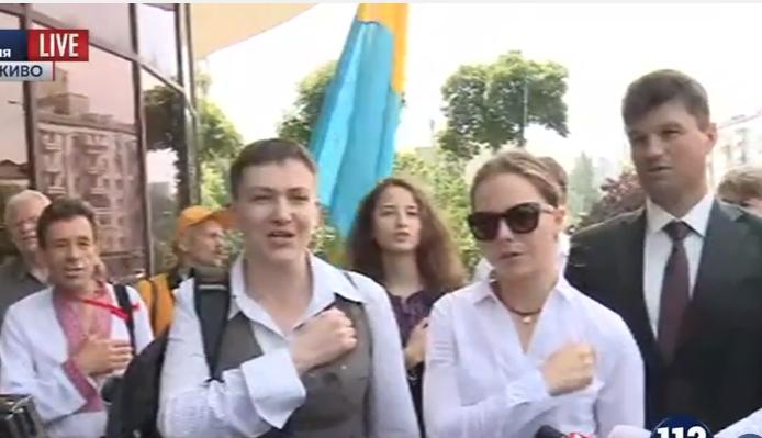 Савченко почала прес-конференцію з гімну України  - фото 1