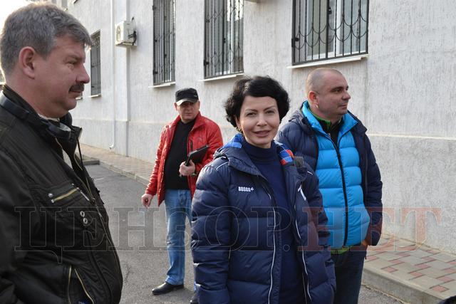 """""""Ви журналіст чи повія?"""" Сестра Савченко поспілкувалася з авторкою """"розіп'ятого хлопчика"""" - фото 2"""