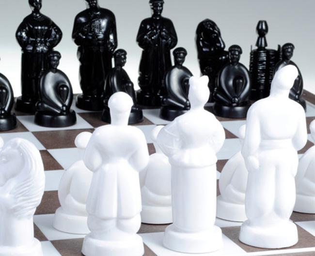 і Порошенко-офіцер: ТОП-10 незвичних шахів - фото 1