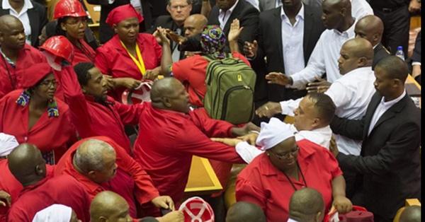 Як депутати гамселять один одного в різних країнах - фото 4