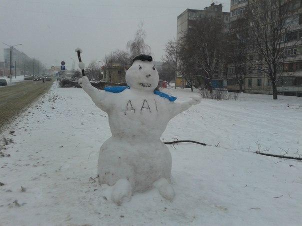 Красені і чудовиська: ТОП-10 оригінальних сніговиків - фото 5