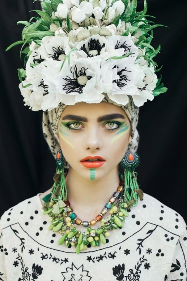 Фотосесія дівчат зі слов'янськими вінками і сучасним макіяжем підірвала мережу - фото 1