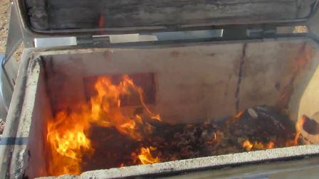 У Криму окупанти спалили майже 250 кг української ковбаси - фото 1