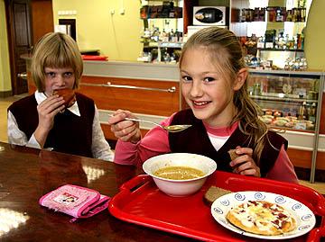 Чи варто повертати дітям безкоштовні сніданки - фото 1