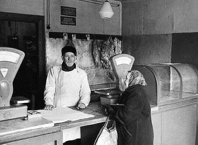 """Дикий СРСР: Як голодні """"несуни"""" гноїли м'ясо у тісних комірчинах - фото 4"""