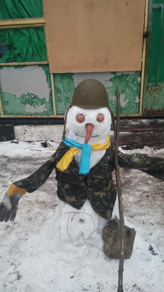 Красені і чудовиська: ТОП-10 оригінальних сніговиків - фото 3