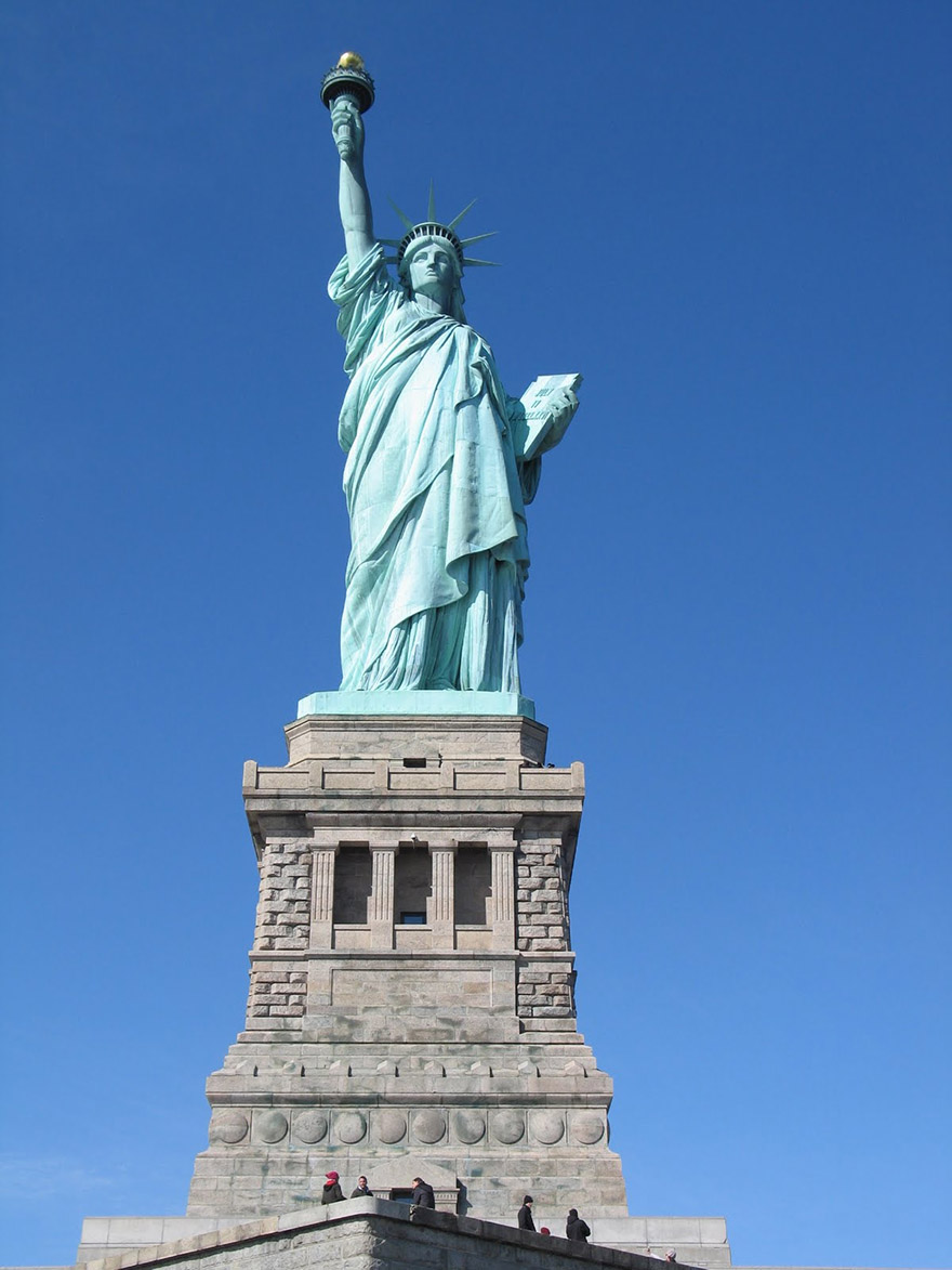 ТОП-7 сестер Статуї Свободи - фото 1