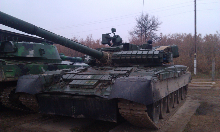 Т-64Б из состава 17-й отдельной танковой бригады на полигоне - фото 5