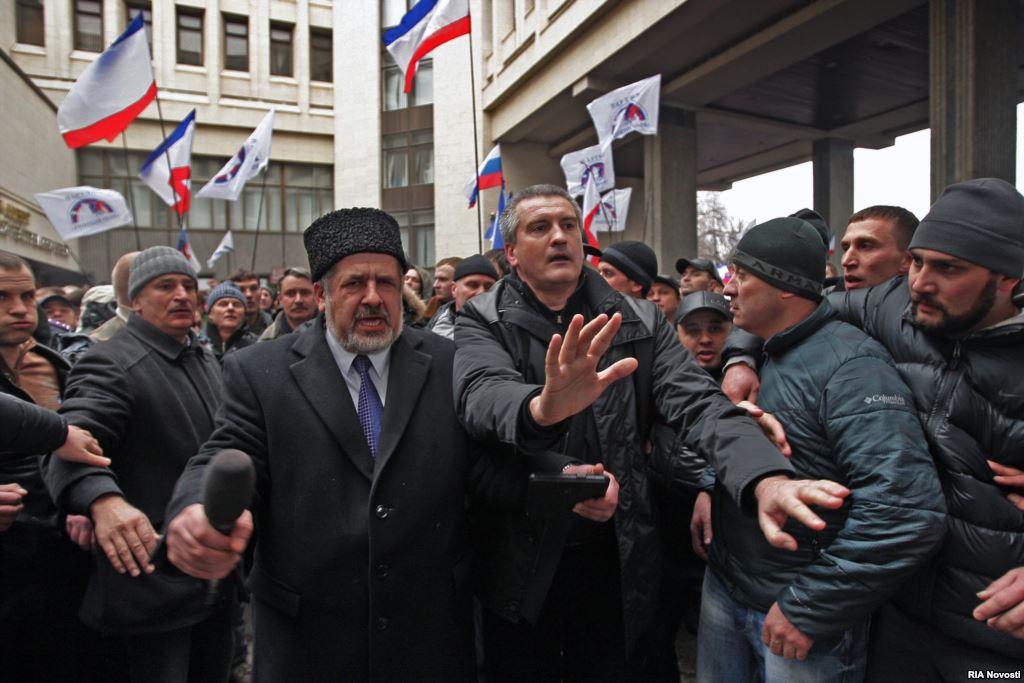 Хроніки окупації Криму: мітинг 26 лютого - фото 12
