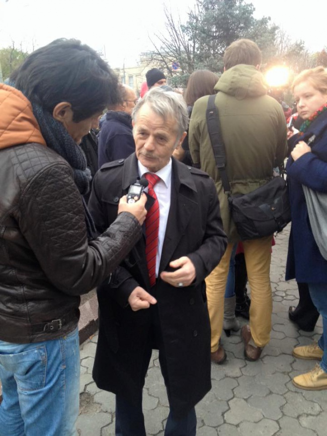 Татари протестують проти репресій під посольством Росії в Києві  - фото 2