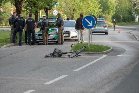 """На вокзалі під Мюнхеном ісламіст з криками """"Алах акбар!"""" влаштував різанину, є жертви - фото 4"""