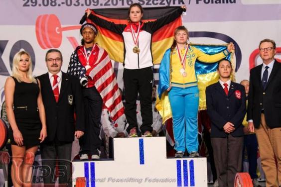 """Юна харків'янка привезла """"бронзу"""" з чемпіонату світу з пауерліфтингу - фото 1"""