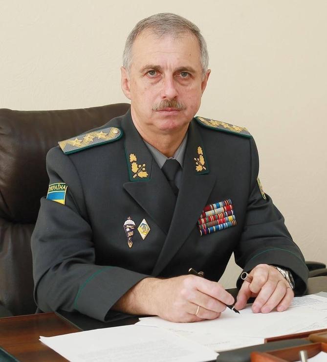 Хроніки окупації Криму: росіяни пішли на штурм, журналістам ламають ребра - фото 5