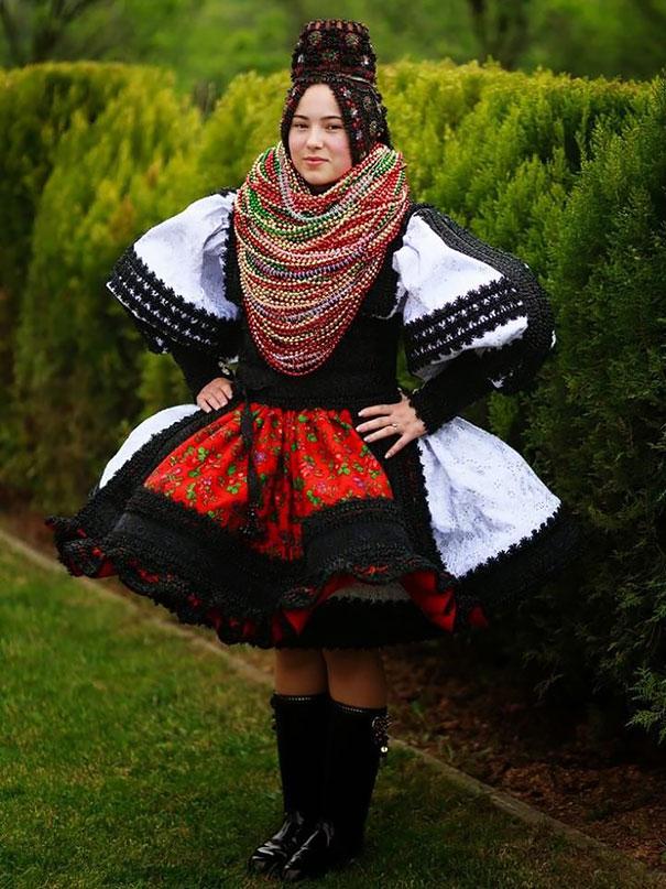 ТОП-10 найяскравіших традиційних весільних костюмів зі всього світу  - фото 9
