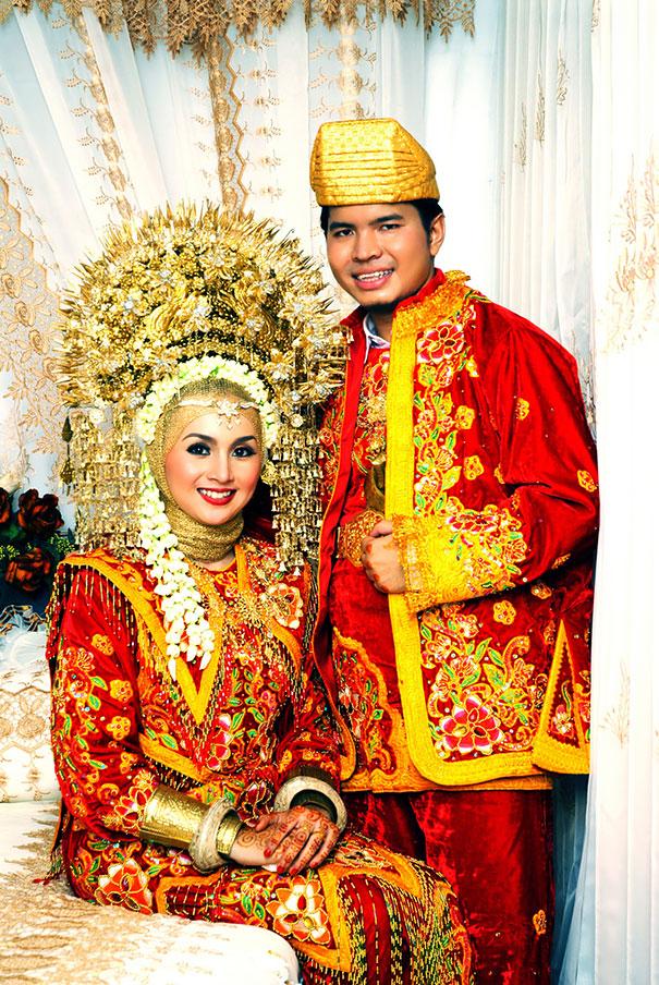 ТОП-10 найяскравіших традиційних весільних костюмів зі всього світу  - фото 7