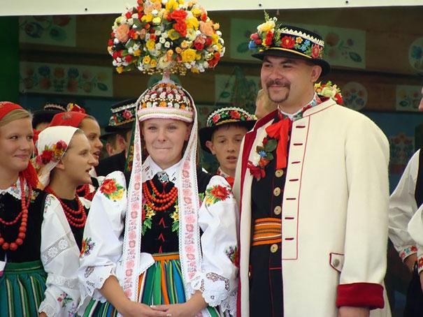 ТОП-10 найяскравіших традиційних весільних костюмів зі всього світу  - фото 5
