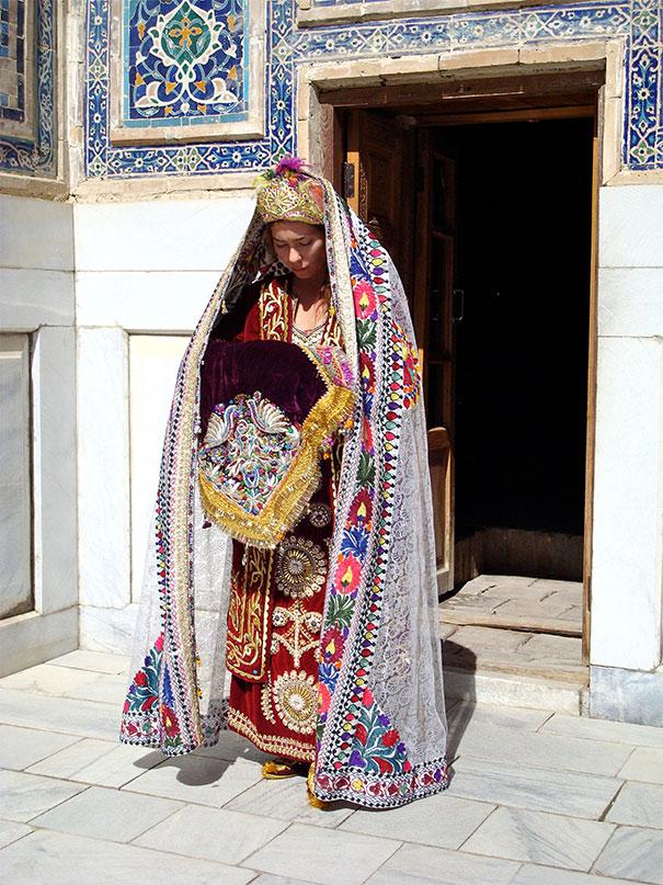 ТОП-10 найяскравіших традиційних весільних костюмів зі всього світу  - фото 1