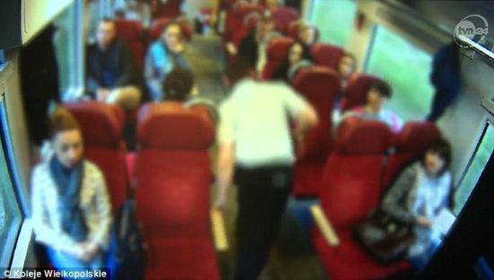 ВПольше машинист поезда пошел натаран испас пассажиров