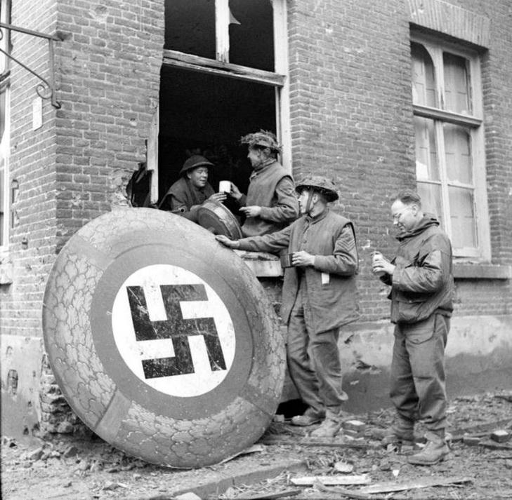 Топ-15 рідкісних фотографій Другої Світової війни - фото 11