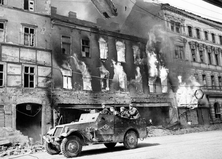 Топ-15 рідкісних фотографій Другої Світової війни - фото 2