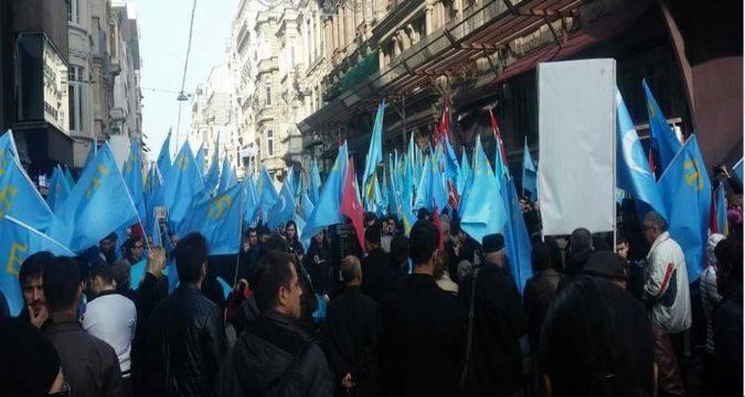 Як у Туреччині протестували проти окупації Криму - фото 2
