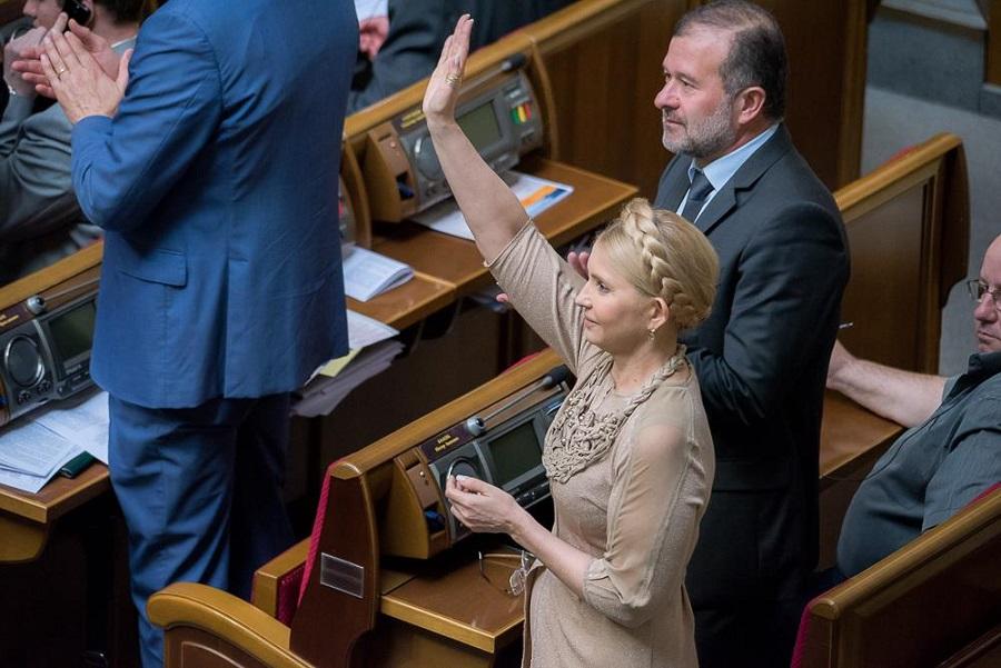 Як Тимошенко з косою ставала в пози та шепотілася в Раді (ФОТО) - фото 3