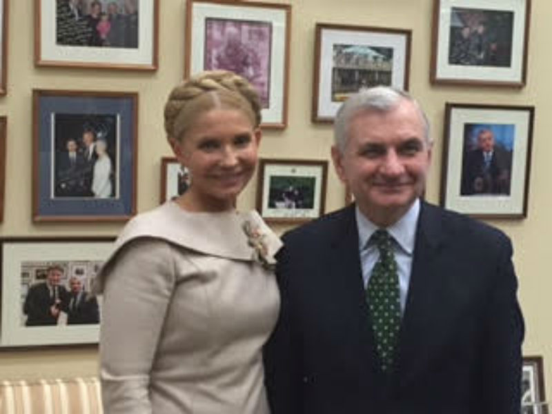 Тимошенко попозувала з американськими сенаторами (ФОТО) - фото 2