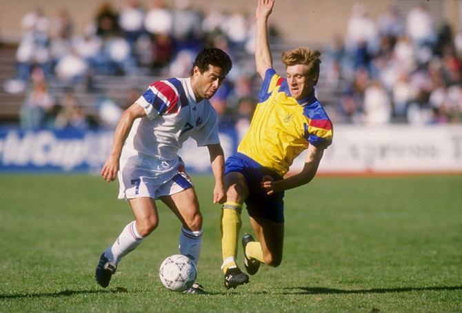 Футболка на Євро: Еволюція форми збірної України від 90-х до сьогодні - фото 2