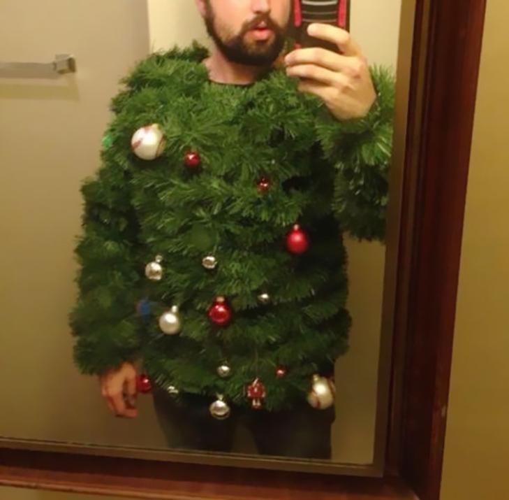 ТОП ідіотських новорічних костюмів - фото 1