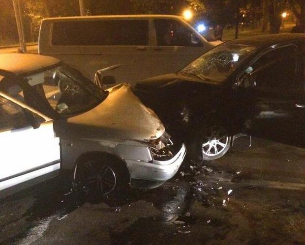 Масштабне ДТП у Харкові: шестеро людей постраждали внаслідок зіткнення легковиків - фото 1